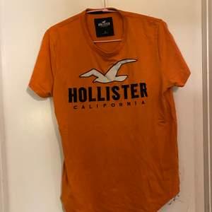 Hollister t-shirt storlek s