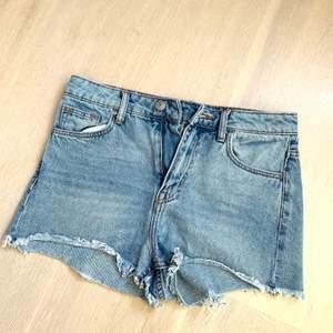 Nästan oanvända shorts från H&M