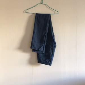 Blå jeans från Åhléns. Storlek 32/XS