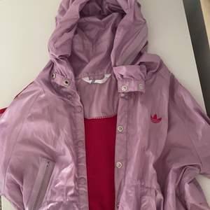 Ascool windbreaker/Adidas jacka, köpt second hand men aldrig använd av mig💞
