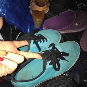 Förstora för mig så vill få bort dom ett par skate skor från gravis som är nästan oanvända, tvättar dom innan som skickas iväg