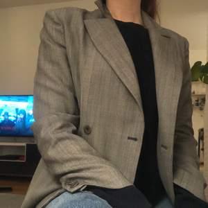 Mörkgrå blazer från Ana Sousa 💋