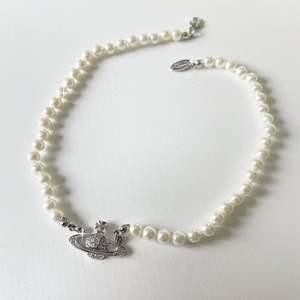 Vivienne Westwood halsband A-kopia. Finns bara i färgen silver. Ny/oanvänd. Fri frakt 💞