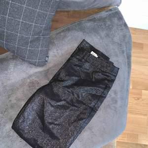 Filippa K byxor använda 2gånger  Kram
