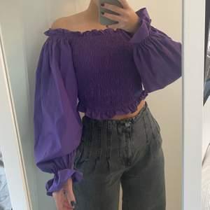 Snygg tröja från NAKD💜 säljer pga för lite användning