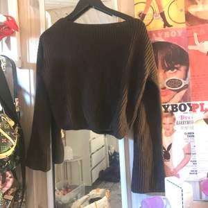brun stickad tröja med ballongärmar✨