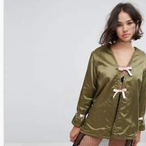 Kimonojacka aldrig använd med prislapp kvar! Från asos.