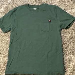 Mörkgrön dickies t-shirt