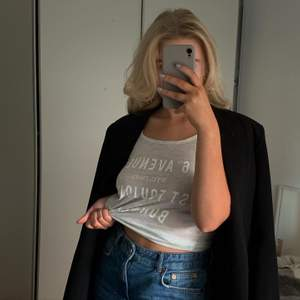 Trendigt linne från Gina, strl xs, fint skick! 🤍