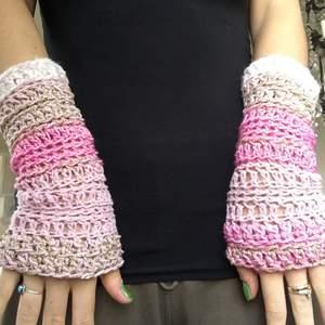 Fina rosa handskar 🌸  skriv på min första annons med handlarna vid intresse 🌸🌸