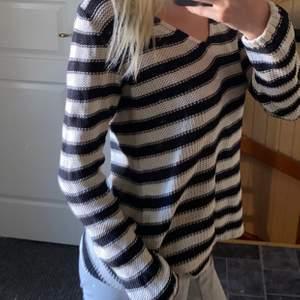 En tröja från hm i storlek M