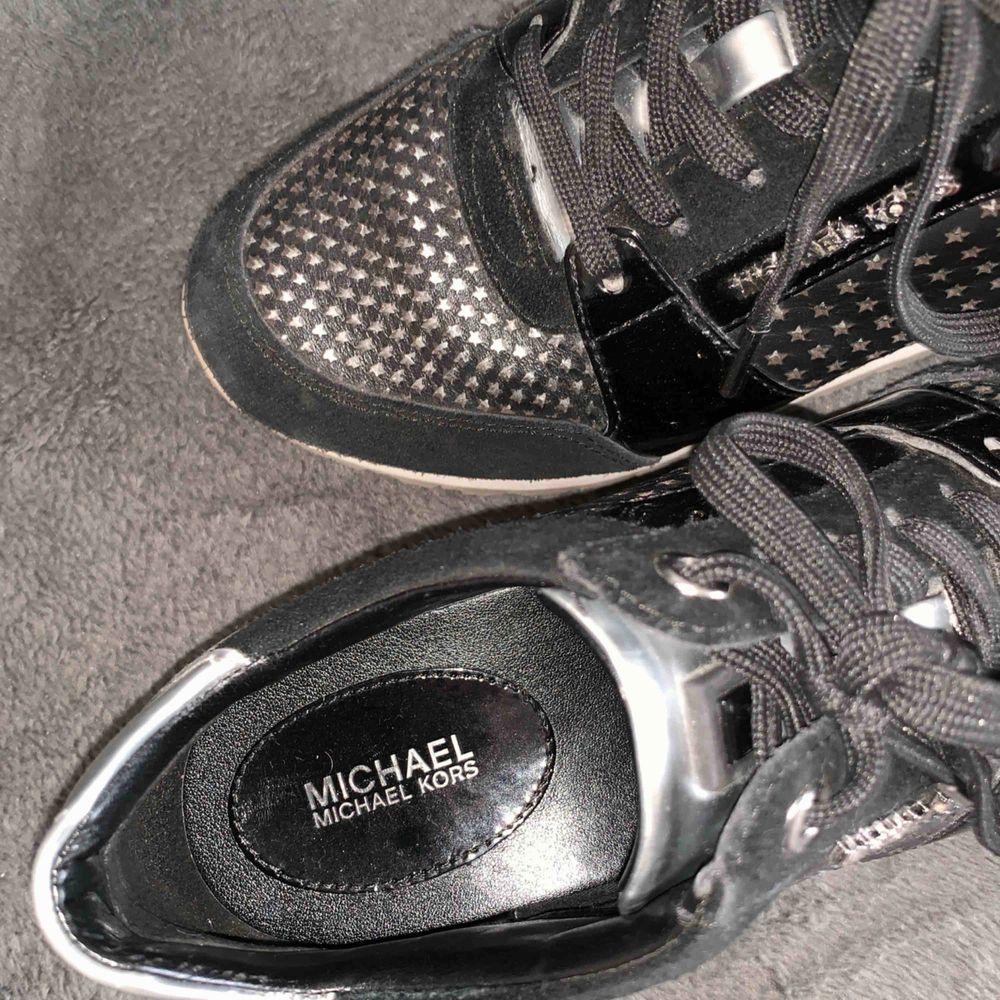 Sparsamt använda! Michael kors skor . Skor.
