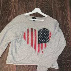 En tröja jag haft ett bra tag som inte använts på 2 år kanske, men ändå i otroligt bra skick fortfarande