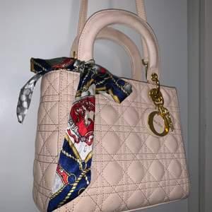 Så fint väska .
