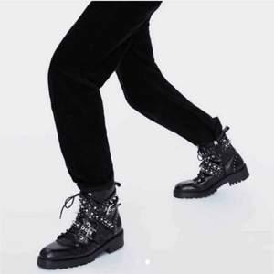 Ett par ascoola o populära skor från Zara!💕