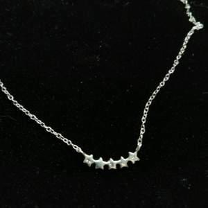Halsband med stjärnor och strass (äkta silver) 💞