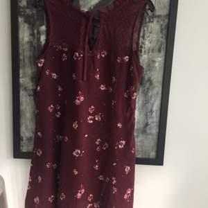 Hollister klänning , storlek S .