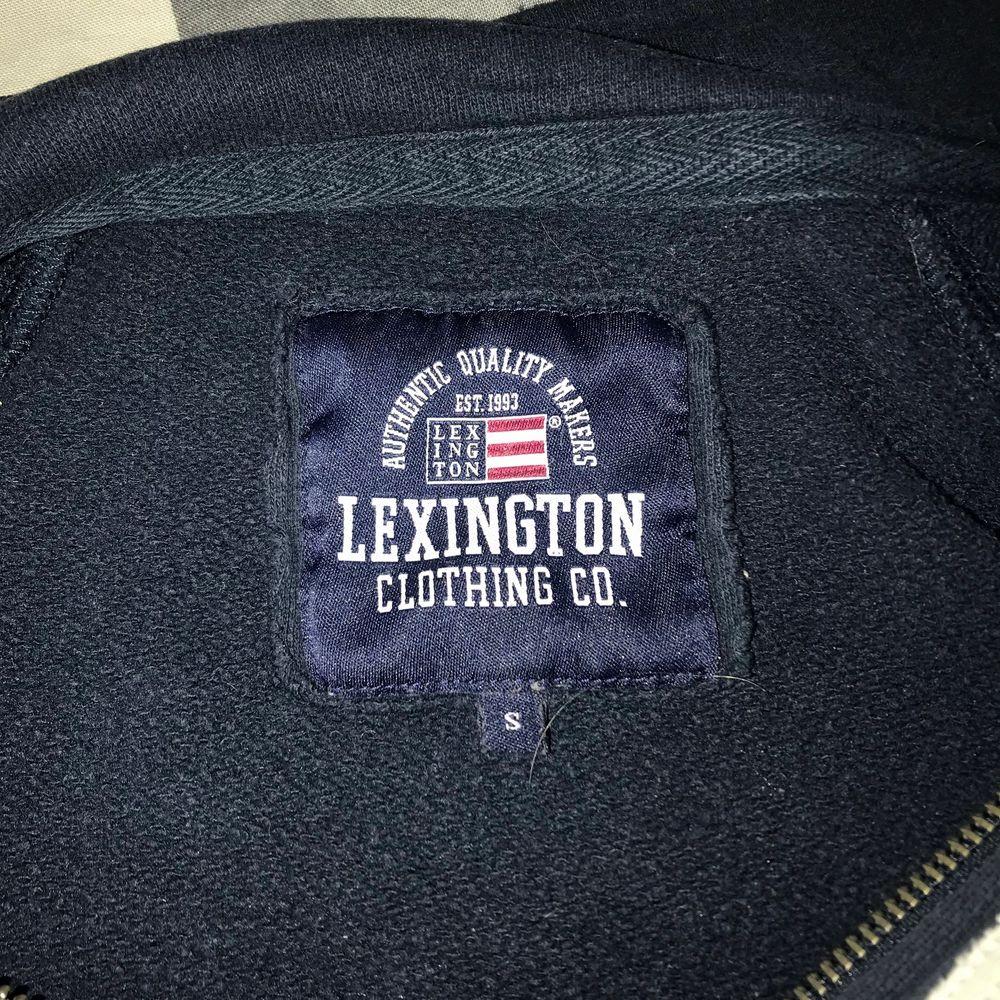Tröja av Lexington, mycket bra skick. Bra kvalitet.. Huvtröjor & Träningströjor.