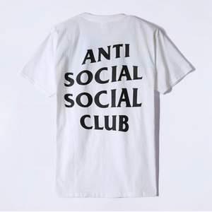 Helt ny anti social social t-Shirt. Oversized