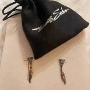 Supergulliga silver örhängen! Använda en gång, bra skick! Ny pris: 1000kr.