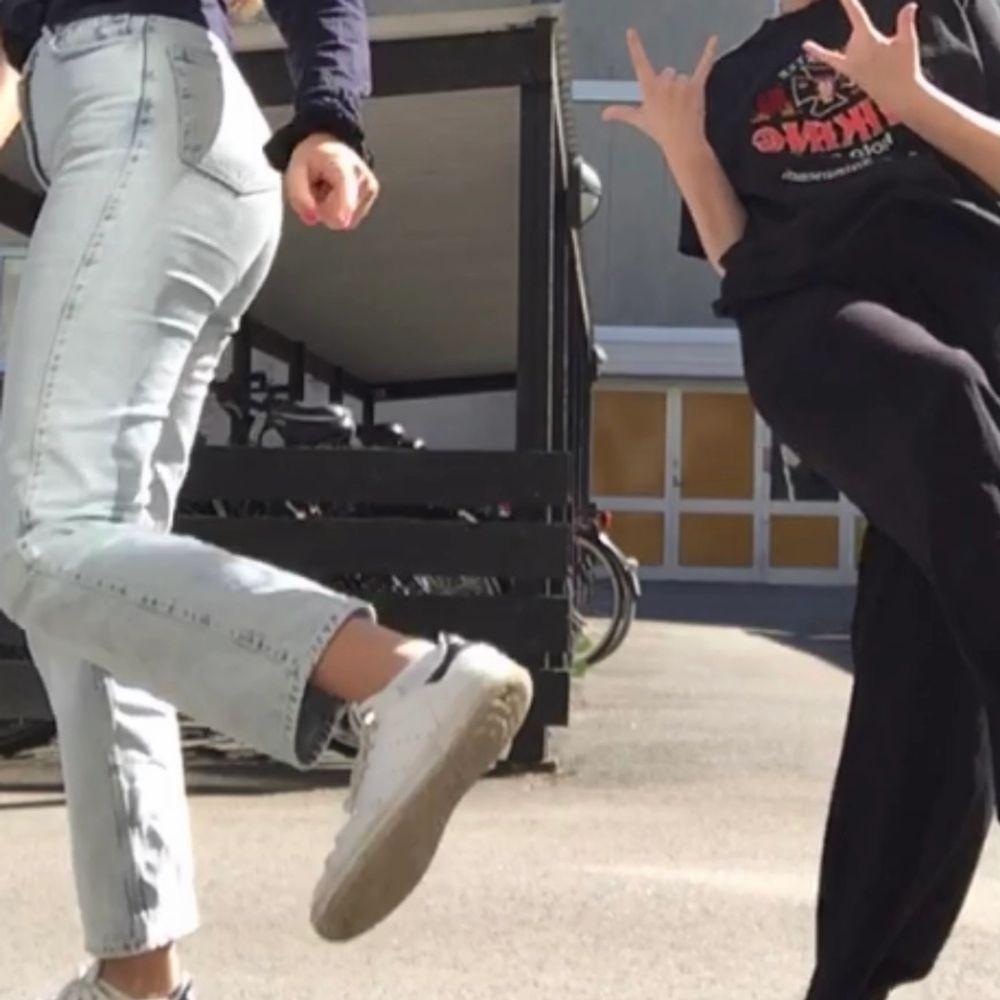 Straight leg jeans från weekday. Säljer för 350kr ink frakt . Jeans & Byxor.