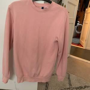 Rosa sweatshirt som jag knappt använt:)