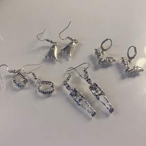 Säljer dessa coola och helt nya örhängen för 39kr styck! DÖDSKALLARNA & MUNNARNA ÄR SÅLDA