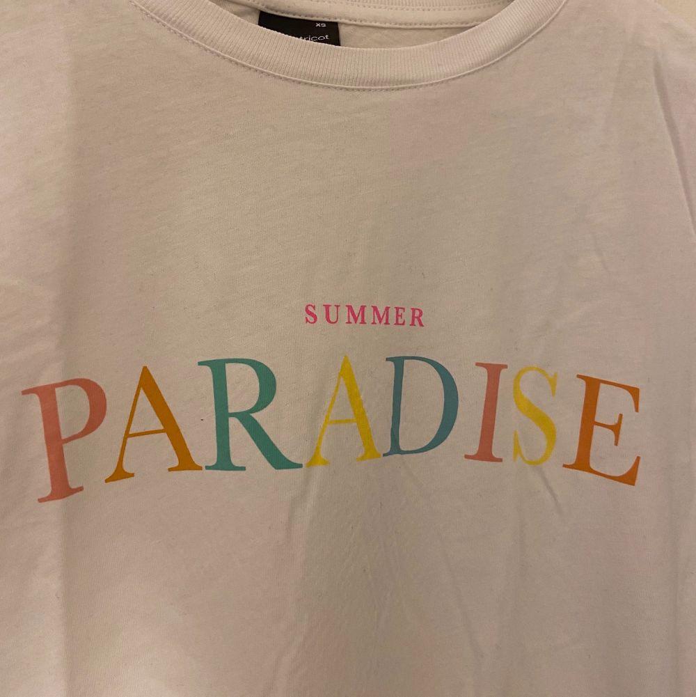 Fin t-shirt från Gina Tricot, bra skick. Storlek xs.. T-shirts.