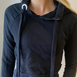 Cropped hoodie från Boohoo i storlek S💕