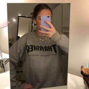 Coolaste OCH skönaste sweatshirten!!! Får inte tillräckligt med kärlek i min garderob längre, så säljer vidare. Självklart äkta, unisex! :)