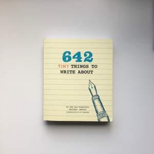 Helt ny! Aldrig skrivit i, men finns yttersta skada se bild 2. Super roliga bok, perfekt att underhålla sig med. Köpt på Monki Pocketbok  ✨Hämtas hos mig vid Lundby Gamla Kyrka 💌 Frakt 49kr