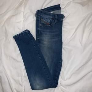 Diesel jeans som jag inte använt då jag inte använder lågmidjade, så dem är i perfekt skick
