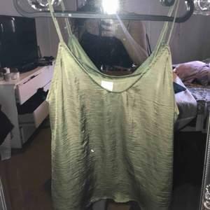 Linne ifrån Gina tricot frakt tillkommer:)