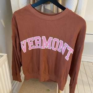 Brun sweatshirt från ginatricot, storlek: xs (passar s)