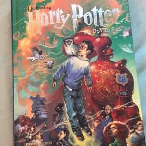 Harrypotter bok första delen aldrig öppnat!! Köpare står för frakt 40 kr