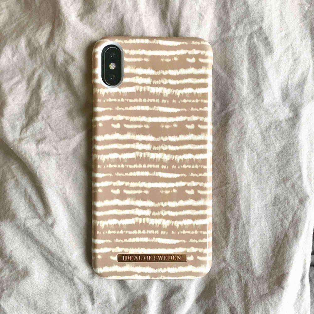 Super fint IDEAL OF SWEDEN x NAKD iPhone skal. Köpt för 449kr för nån månad sen, aldrig använd. Säljer för att jag köpt fel storlek. . Accessoarer.
