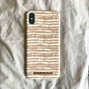 Super fint IDEAL OF SWEDEN x NAKD iPhone skal. Köpt för 449kr för nån månad sen, aldrig använd. Säljer för att jag köpt fel storlek.