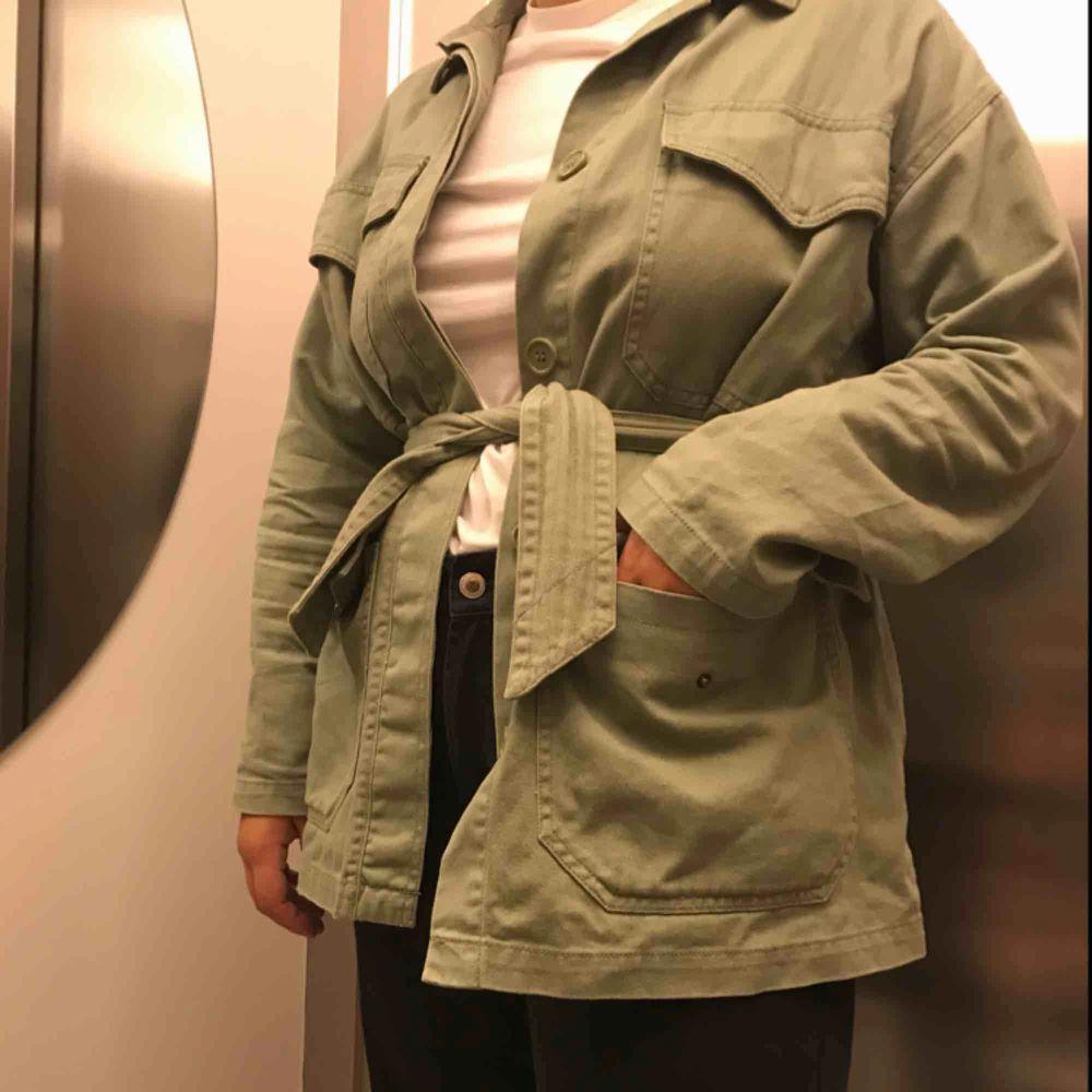 Perfekt jacka nu till hösten från monki för 250kr inklusive frakt . Jackor.