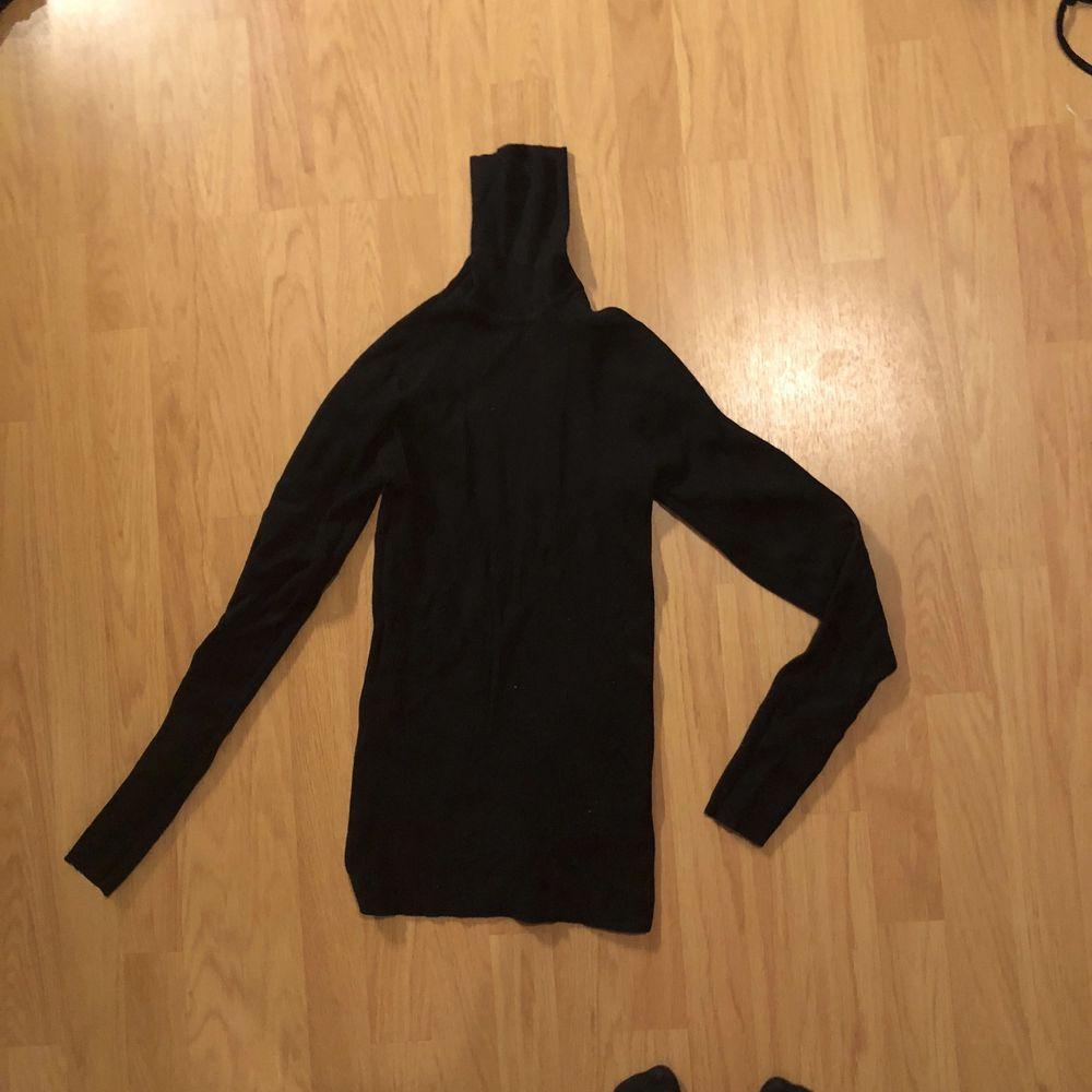 Tjock polo tröja (ej använd). Tröjor & Koftor.
