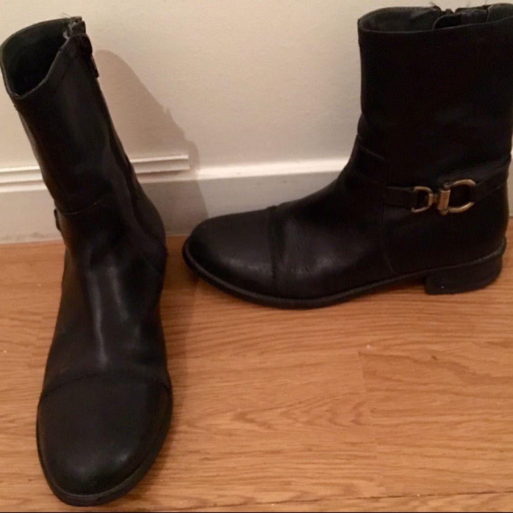 Snygga boots från hush puppies i skinn. . Skor.