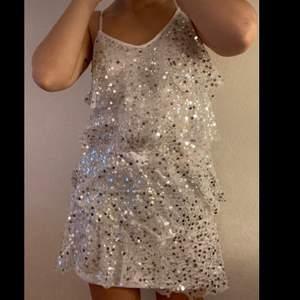 XS, perfekt festklänning