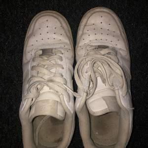 Nike skor väl använda!