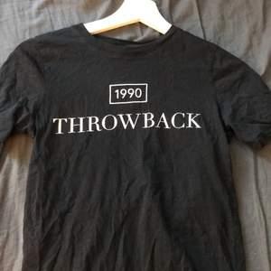 Säljer denna fina tröjan som jag använt men är i jätte bra skick med text på org pris 129kr säljer för 55kr + frakt