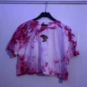 rosa tiedye tröja från bershka powerpuff girls kollektionen💫 pris inkl frakt!