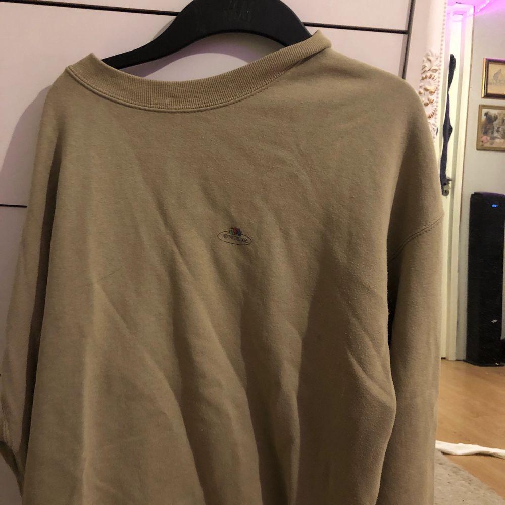 Super skön sweatshirt från Fruit of the loom, storlek XXL! fraktpris: ca 63kr?. Huvtröjor & Träningströjor.