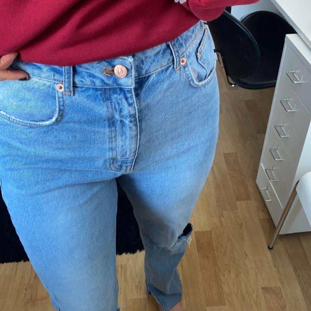 Raka ljusblåa jeans från nakd i storlek 38.. Jeans & Byxor.