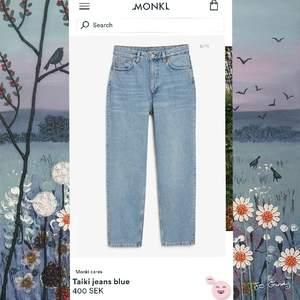Jeans från monki i modellen Taiki (high waist, balloon leg) , storlek 29. Säljer för att de inte kommer till användning längre, jättefin kvalité. Säljer för 150kr men priset kan alltid diskuteras! Frakt på 66kr tillkommer💓