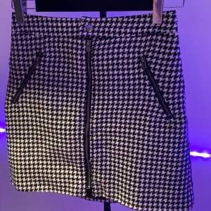 Hollister kjol i väldigt bra skick och material med bra kvalitet❤️ budgivning i DM