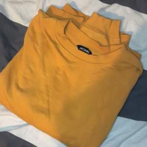 Gul monki tröja, XS/S, 50kr + frakt/ mötas i Malmö💛