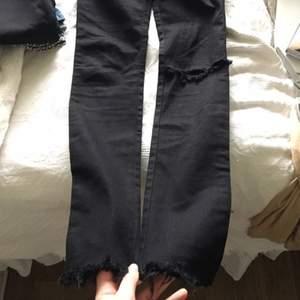 Snygga diesel jeans som jag designat lite själv (slitningarna).